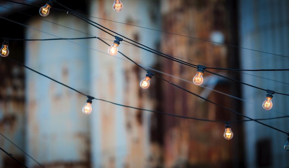 light-bulbs-1875268_1920